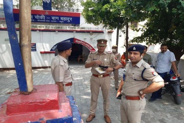 Mathura: बेखौफ बदमाशों ने दिनदहाड़े व्यापारी से लूटे एक करोड़ पांच लाख रुपये