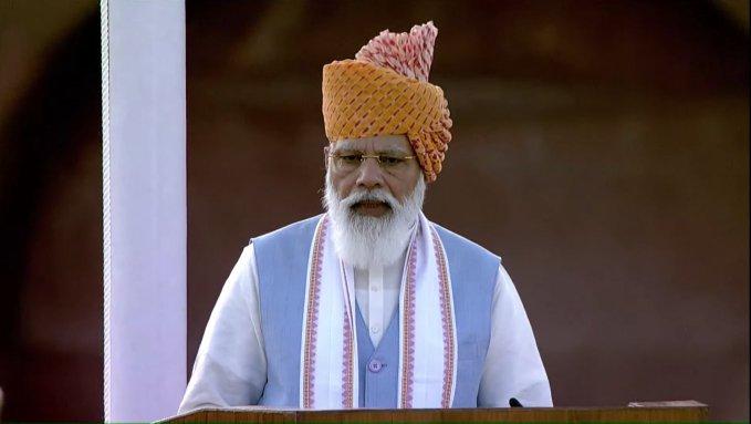'Surgical and Air Strikes' कर भारत ने दुश्मनों को चेताया, हम किसी से कम नहीं : PM Modi