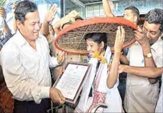 Olympics 2012 : लंदन की सड़कों पर ओलंपिक मशाल लेकर दौड़ी भारत की बेटी दिहाड़ी मजदूरी करने को है मजबूर