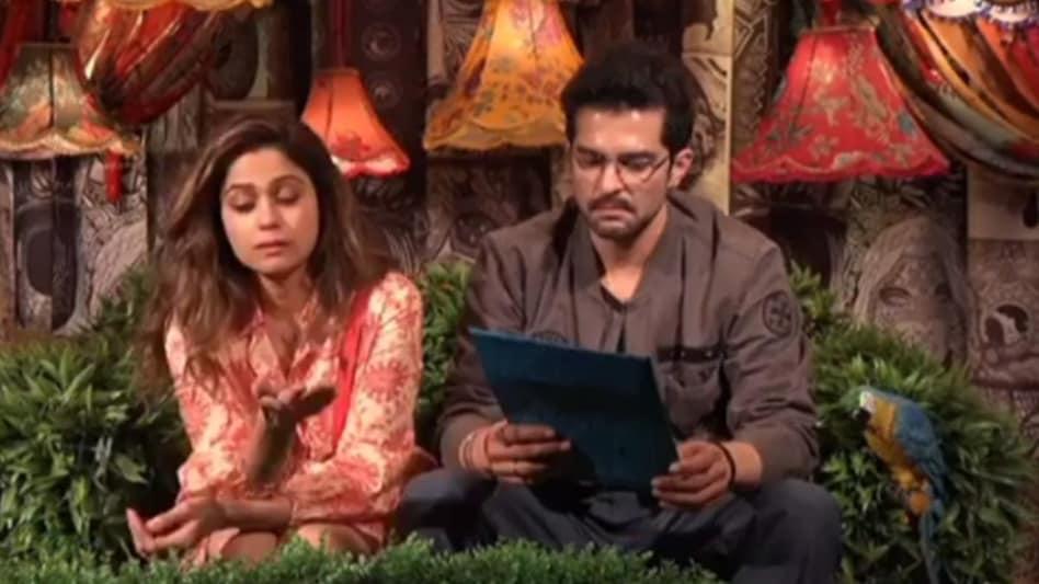 Big Boss OTT: Shamita Shetty ने राकेश को Nomination से बचाने के लिए किया नया कांड, देखे VIDEO