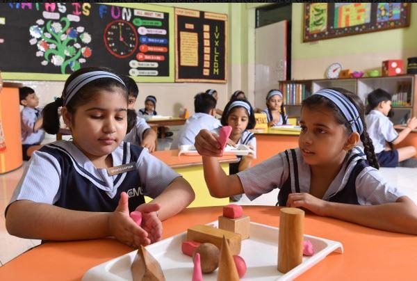 कोरोना काल में सबसे ज्यादा बच्चों की शिक्षा प्रभावित, क्लास रूम का शिक्षा का कोई विकल्प नहीं