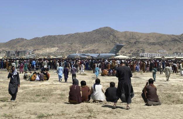 Afghanistan Crisis: काबुल एयरपोर्ट 31अगस्त तक नहीं खाली करेंगे जी-7 देश , तालिबान के सामने रखी शर्त