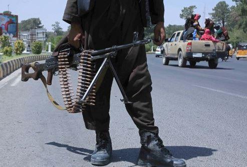 Afghanistan Taliban War: तालिबान लड़ाकों ने जलालाबाद पर कब्जा किया , काबुल में बिजली सप्लाई को किया ध्वस्त