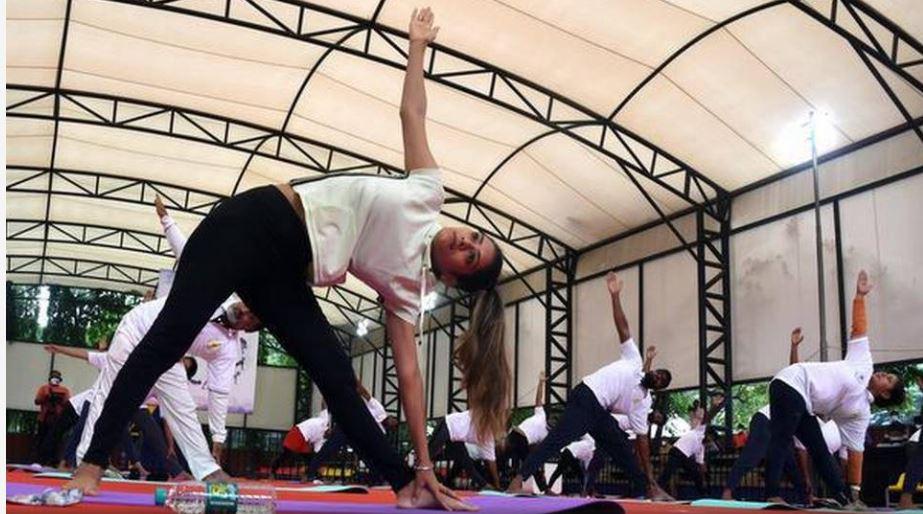 'Y-Break' app अब फ्री में देगा आपको Yoga Training , बस करना होगा ये काम