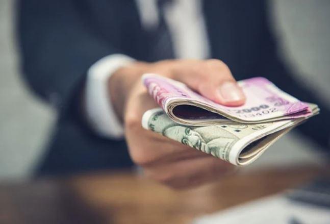 7th Pay Commission : मोदी सरकार फिर बढ़ा सकती है महंगाई भत्ता? जानें कितनी बढ़ेगी आपकी सैलरी