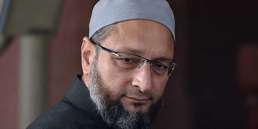 गुजरात : Atiq Ahmed से मिलने पर अड़े Asaduddin Owaisi, साबरमती जेल प्रशासन का अनुमति देने से इनकार