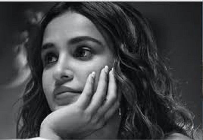 दिल्ली एयरपोर्ट पर इस बॉलीवुड अभिनेत्री को सुरक्षाकर्मियों ने कहे अपशब्द, दी ये धमकी