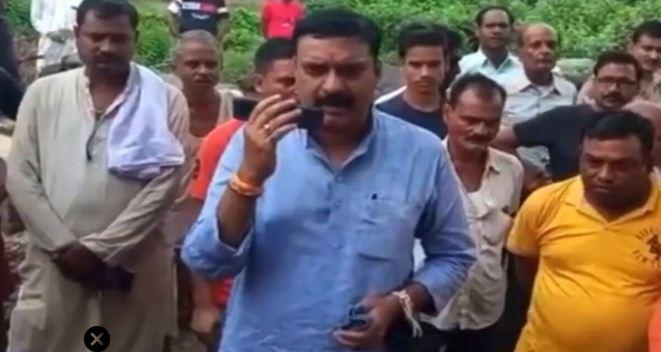 Viral video: BJP विधायक के बिगड़े बोल, कहा-SDM के इतने दिमाग खराब हो गए हैं…जूतों से मारेंगे इनको