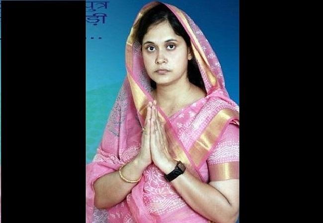 Bandana Singh jeevan parichay : पति की राजनीतिक पिच को संवारने में जुटी हैं सगड़ी विधायक बंदना सिंह
