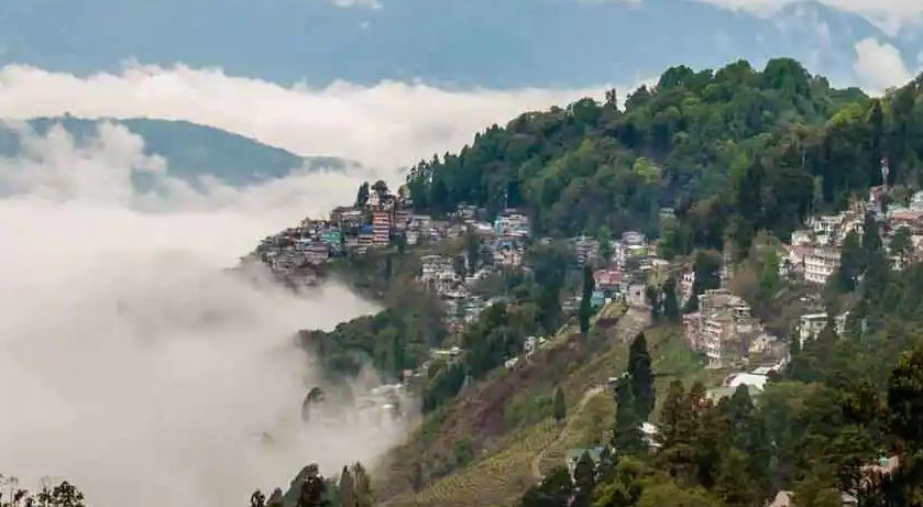 Darjeeling amazing: 'पहाड़ों की रानी' हवा है सुहानी, दार्जिलिंग की खास बातें आप भी जान लीजिए