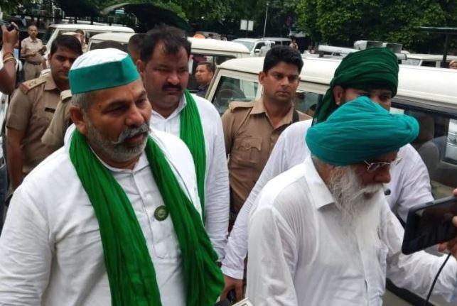 Kisan Mahapanchayat: करनाल में किसान महापंचायत को लेकर सुरक्षा एजेंसियां अलर्ट पर, लाठी-डंडों और रॉड के साथ दिखे कुछ शरारती तत्व