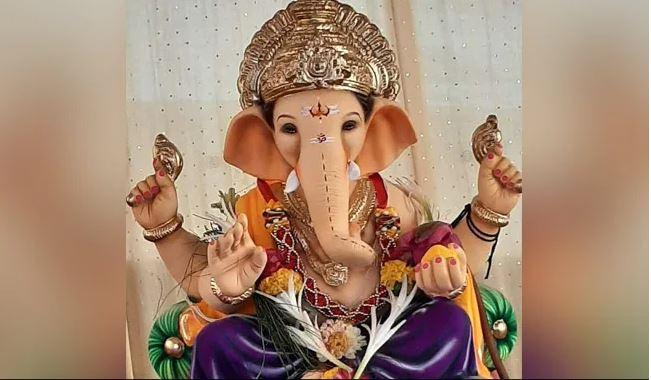 Anant Chaturdashi 2021: अनंत चतुर्दशी पर क्यों हाथ में बांधते हैं 14 गांठ, जानें इसका रहस्य