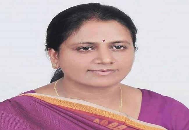 Neelima Katiyar jeevan parichay : नीलिमा कटियार पहली बार बनीं विधायक फिर योगी मंत्रिमंडल में पक्की की कुर्सी