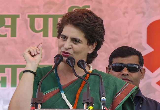 Modi Government वापस लें कृषि कानून, पूरा देश किसानों के साथ : Priyanka Gandhi Vadra