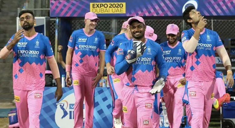 IPL 2021: लगातार दो मैच में लगा जुर्माना, अब इस खिलाड़ी पर लटक रही प्रतिबंध की तलवार