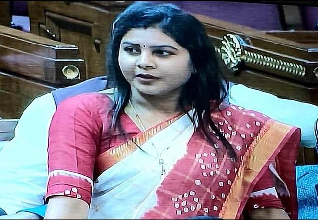 Dr. Sushma Patel jeevan parichay : डॉ. सुषमा पटेल ने सासू मां के कहने पर IAS बनने का सपना छोड़ चुना जनता की सेवा का विकल्प