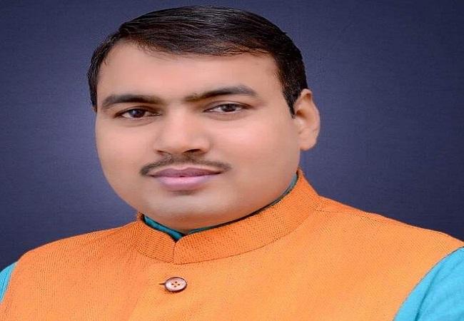 Upendra Nath Paswan jeevan Parichay : शिक्षक उपेंद्रनाथ पासवान विरोधियों का चक्रव्यूह तोड़ बने गुरु, पहुंचे सूबे की सबसे बड़ी पंचायत
