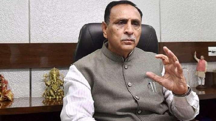गुजरात के मुख्यमंत्री Vijay Rupani का इस्तीफा, सीएम पद की रेस में हैं ये चार नाम
