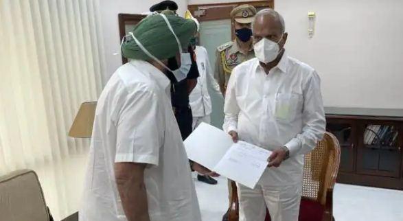 Punjab Breaking: कैप्टन अमरिंदर सिंह ने दिया मुख्यमंत्री पद से इस्तीफा, छोड़ सकते हैं कांग्रेस