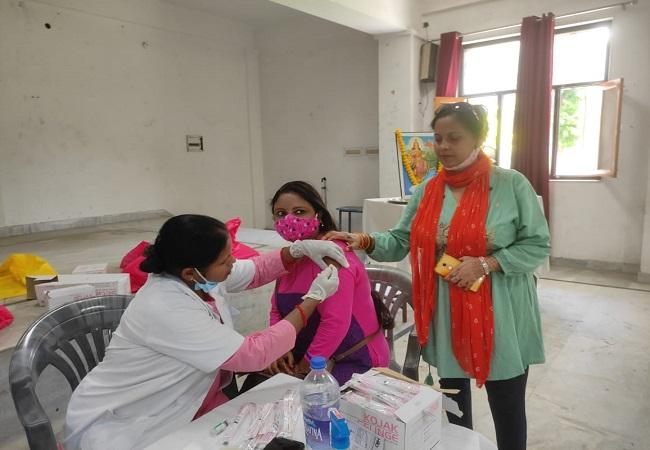 लखनऊ में हर व्यक्ति का टीकाकरण हो, सेवा भारती लखनऊ विभाग का है बहुत बड़ा योगदान