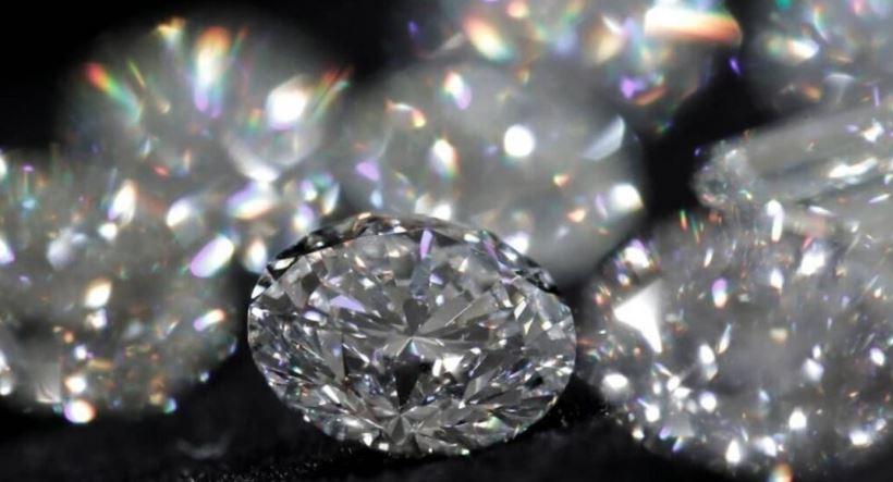 Diamond mine: हीरा खदान में श्रमिकों को मिला हीरा, 8.22 carat diamonds की कीमत इतनी हो सकती है