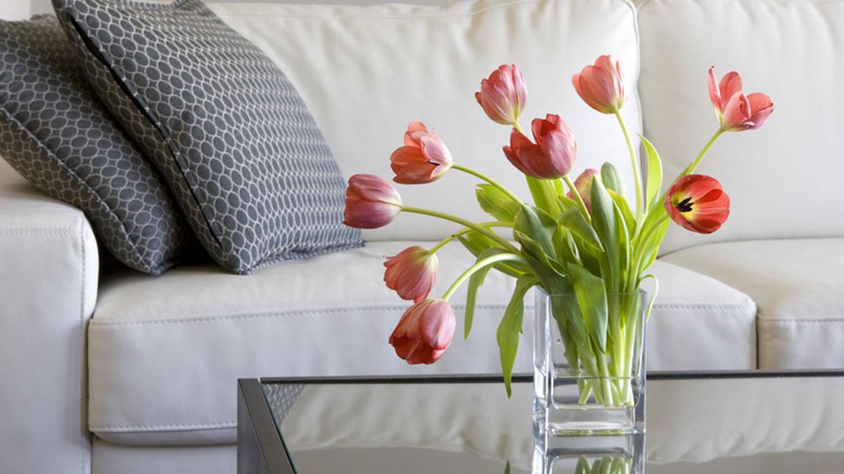 जानिए घर में फूल रखने के अद्भुत फायदे