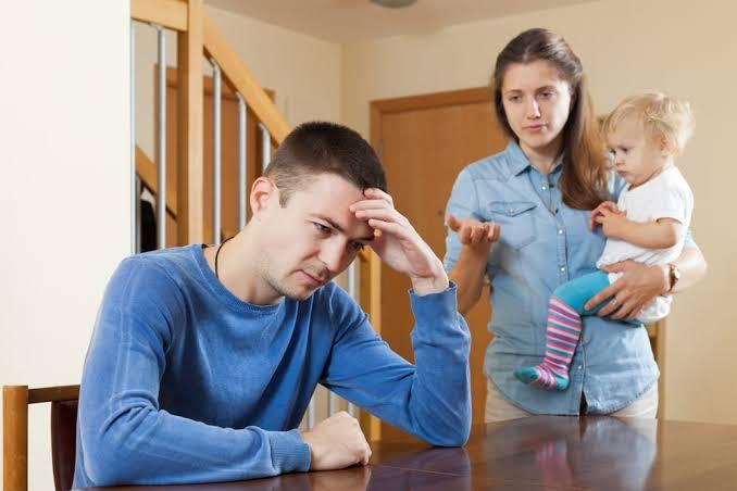 पति ने वीमेन सेल में लगाई गुहार मेरी पत्नी से तलाक दिलवाइये, कई दिनों तक ना नहाने को बताई प्रमुख वजह