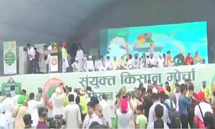 Kisan Mahapanchayat: महापंचायत में बड़ी संख्या में पहुंचे किसान, सुरक्षा के कड़े इंतजाम
