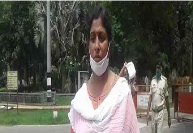 Bihar News: जनता दरबार में नीतीश कुमार के सामने बोली महिला-JDU विधायक ने कराई मेरे पति की हत्या