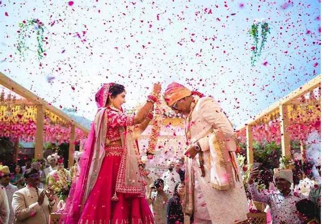 Big News : खुली जगहों पर शादी समारोह की योगी सरकार ने दी इजाजत, जानें क्या है नई गाइडलाइन