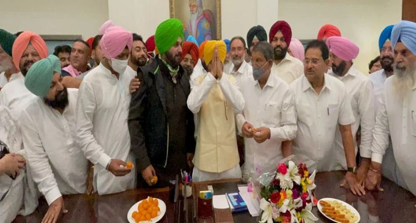 पंजाब का CM बनते ही चरणजीत सिंह चन्नी का बड़ा ऐलान-किसान के बिजली-पानी बिल माफ, कटे कनेक्शन होंगे बहाल