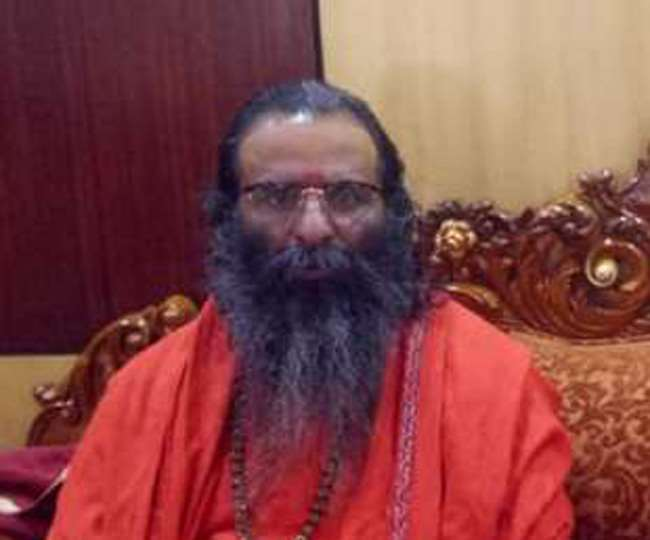 Mahant Narendra Giri Death : निरंजनी अखाड़े के सचिव ने सुसाइड लेटर को बताया फर्जी, उत्तराधिकारी पद पर उठा विवाद