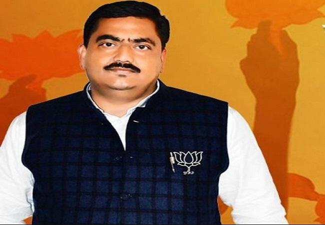 Ajit Pal Tyagi jeevan parichay : मुरादनगर विधानसभा सीट पर अजित पाल त्यागी ने पहली बार खिलाया कमल