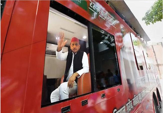 मिशन-2022 को साधने के लिए कानपुर-बुंदेलखंड में 'समाजवादी विजय रथ यात्रा' लेकर निकले अखिलेश