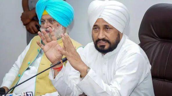 Punjab Breaking: कैप्टन अमरिंदर सिंह से मिलने पहुंचे CM चरणजीत सिंह चन्नी
