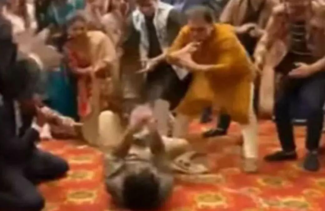 VIRAL VIDEO: Rajpal Yadav का बाराती डांस देख फैंस लगे थिरकने, हर्ष गोयनका बोले-अंकल हर शादी में होते हैं ऐसे अंकल