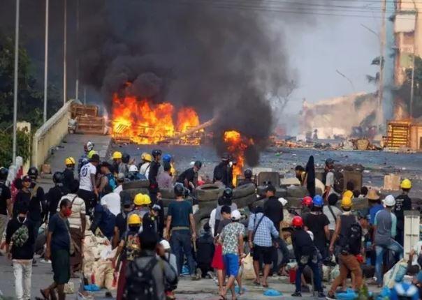 Myanmar conflict: म्यांमार में सेना और विद्रोहियों के बीच संघर्ष, 30 जुंटा सैनिकों की मौत