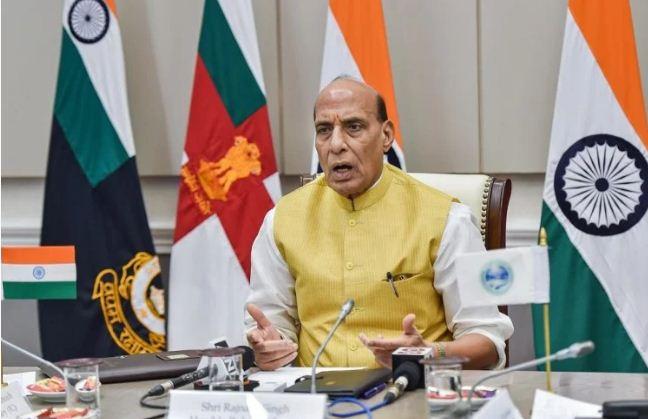 रक्षामंत्री राजनाथ सिंह ने इंदिरा गांधी की जमकर की तारीफ, कहा-देश की कमान ही नहीं युद्ध के समय भी किया नेतृत्व