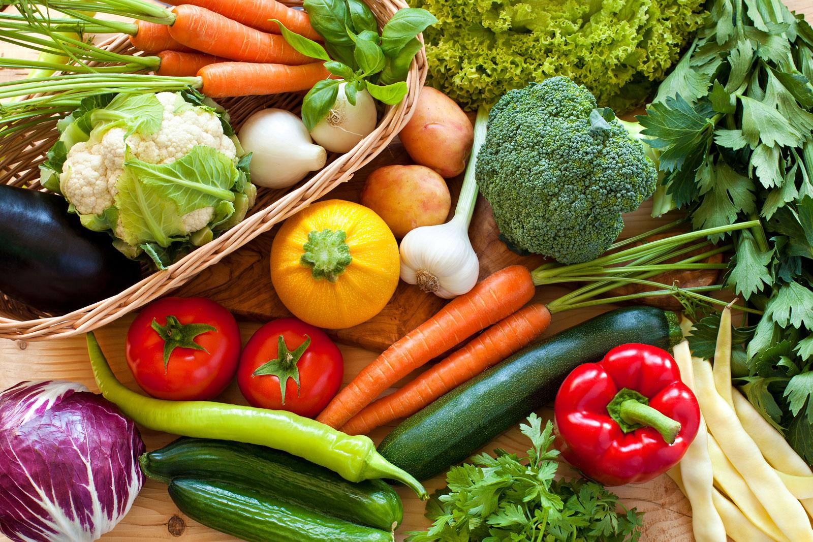 दिल्ली में टमाटर, प्याज, अन्य सब्जियों की कीमतों में 25 फीसदी की बढ़ोतरी: थोक विक्रेताओं ने बारिश को जिम्मेदार ठहराया, ईंधन के दाम बढ़ाए
